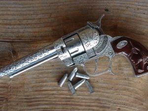 bronco-44-toy-cap-gun-cowboy-model
